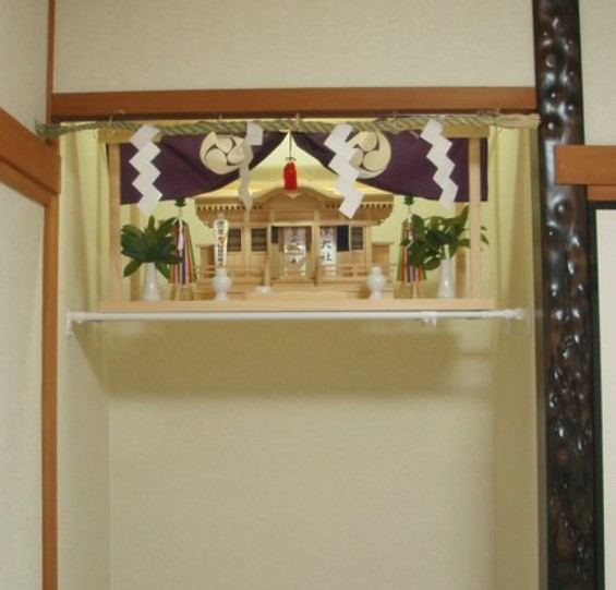 出雲大社のお守り(御札・神札)の種類と値段と「御札の置き方(貼り方)・置く場所」