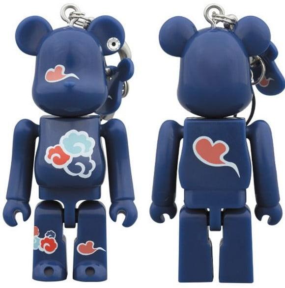 Medicom Toy社」と「いずも縁結び本舗」が共同で作ったもので、ロボットイメージのテディベアに八雲柄がデザインされています