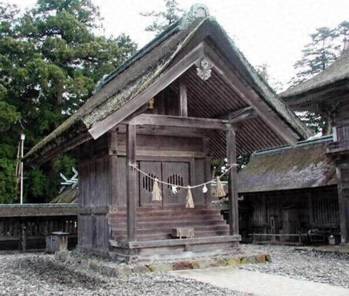 出雲大社(IZUMO-OYASHIRO)・門神社(MONJIN-NO-YASHIRO)【重要文化財】