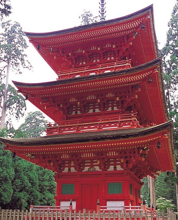 兵庫県 養父市・名草神社の三重塔【重要文化財】