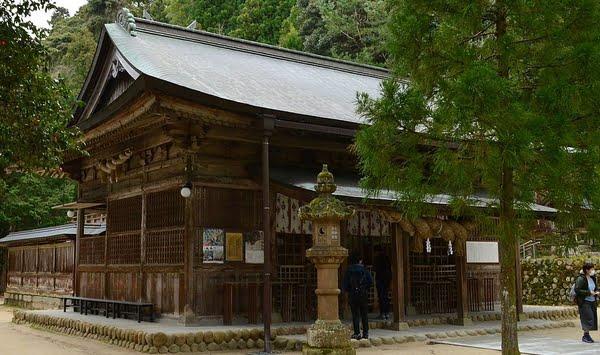玉作湯神社・拝殿