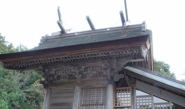 玉作湯神社・本殿